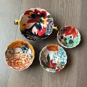 Gorgeous Anthropologie Neepa Floral Measuring Cups